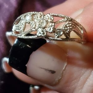 10kt diamond accent ring